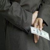 Отныне за обещание взятки грозит уголовная отвественность